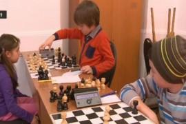"""""""ȘahMAT"""" – un concurs pentru copiii sub 12 ani"""
