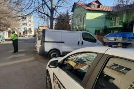Amenzi și somații pentru mașinile abandonate în Pitești